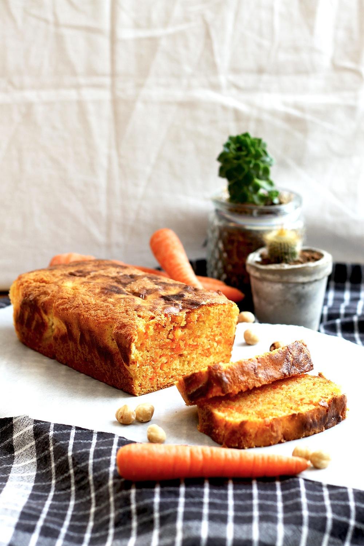 The best (unfrosted) carrot cake recipe Recipe | HeyFood — heyfoodapp.com