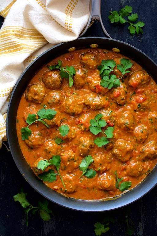 Meatballs in Spicy Curry Recipe | HeyFood — heyfoodapp.com