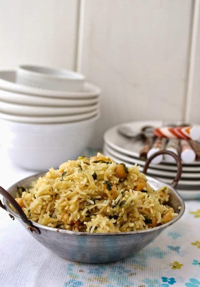 Methi Chana Pulao (Fenugreek leaves and Chickpea Pilaf) Recipe | HeyFood — heyfoodapp.com