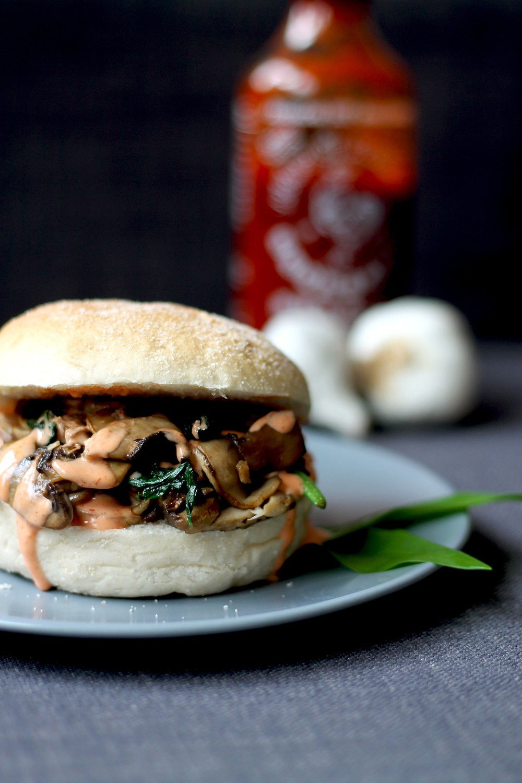 Garlic Butter Mushroom Bun Recipe | HeyFood — heyfoodapp.com