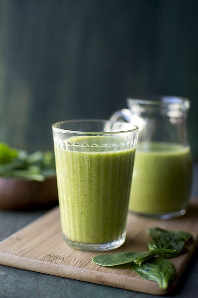 Green Smoothie with Mango & Banana Recipe | HeyFood — heyfoodapp.com