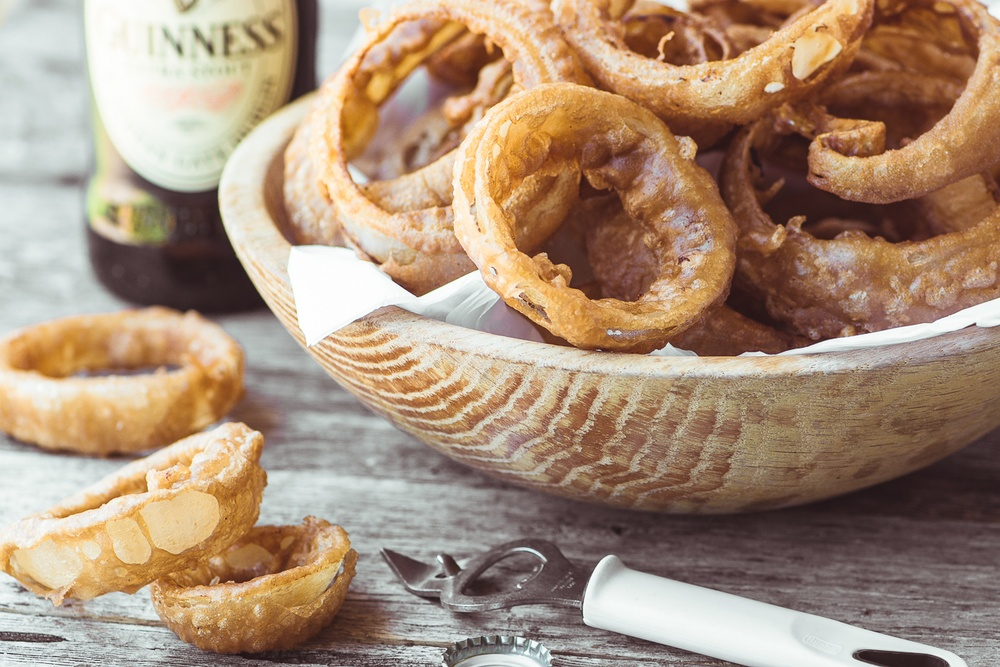 Guinness Battered Onion Rings Recipe | HeyFood — heyfoodapp.com
