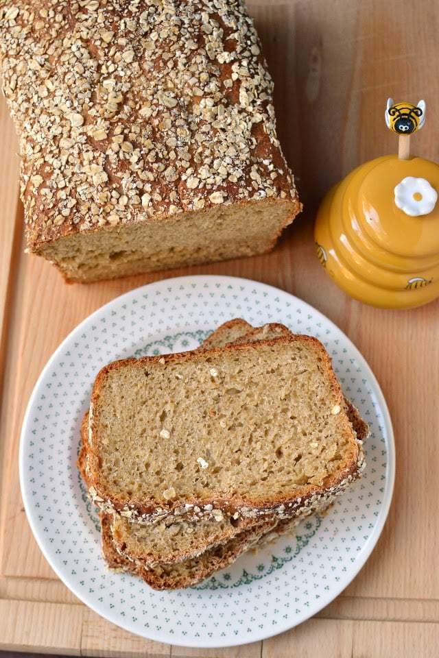 No Knead Honey Oat Bread Recipe   HeyFood — heyfoodapp.com