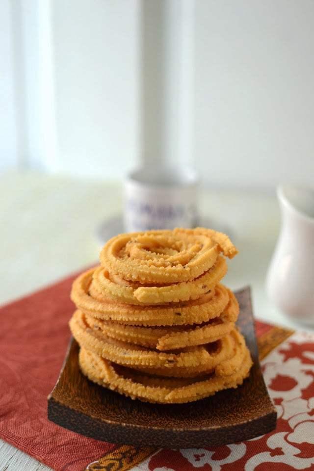Mullu Murukku (Rice & Lentil Muruku) Recipe | HeyFood — heyfoodapp.com