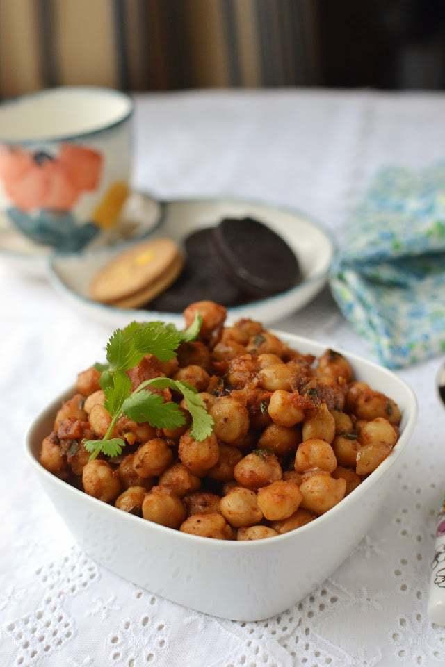 Kelli Chana (Spicy Chickpea snack) Recipe | HeyFood — heyfoodapp.com