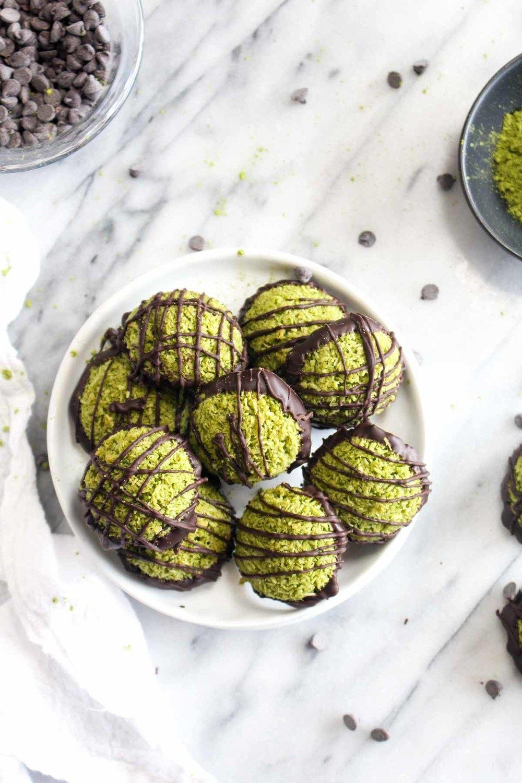 Matcha Green Tea Macaroons Recipe | HeyFood — heyfoodapp.com
