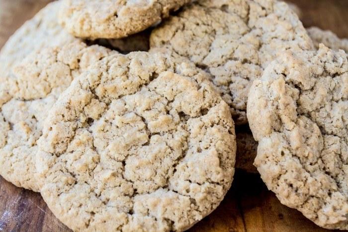 Reader's Recipes: Oatmeal Crispies Recipe   HeyFood — heyfoodapp.com