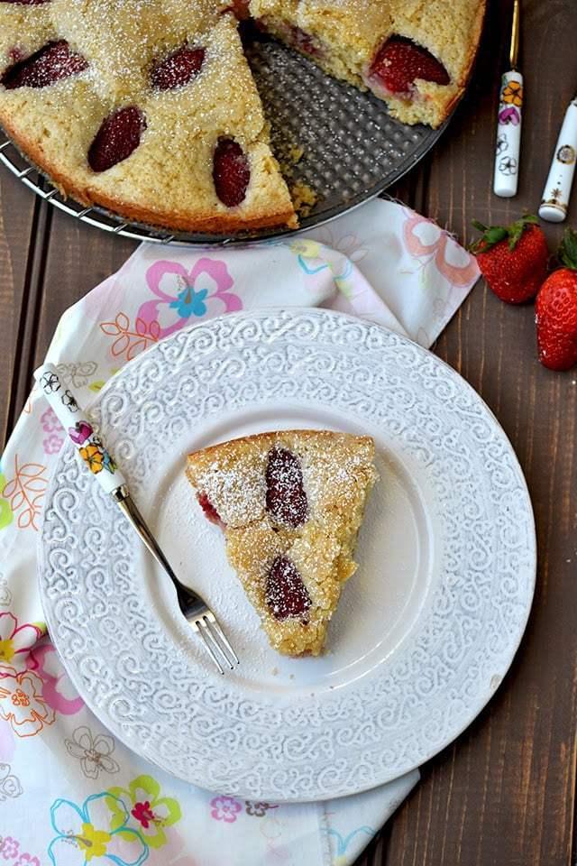 Fresh Strawberry Cake Recipe | HeyFood — heyfoodapp.com