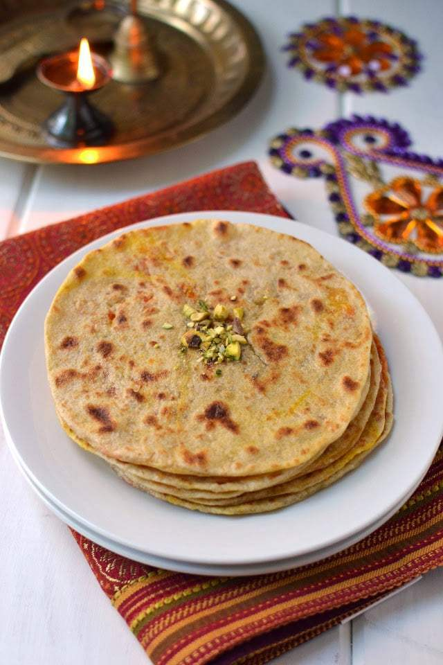 Carrot Poli (Bobbatlu/ Puran Poli with Carrot Halwa Filling) Recipe | HeyFood — heyfoodapp.com