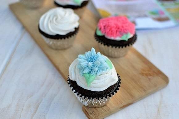 Eggless Chocolate Cupcakes Recipe | HeyFood — heyfoodapp.com