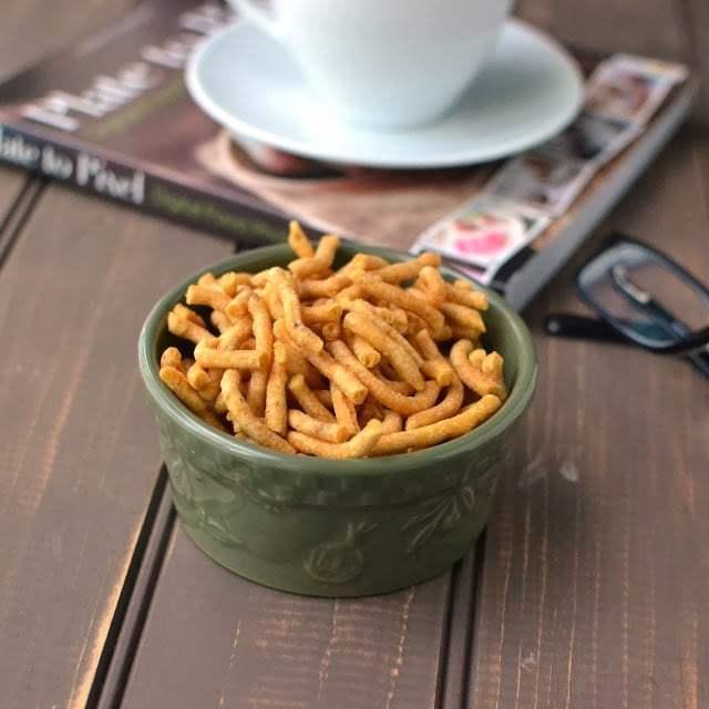 Gujarati Gathiya Recipe | HeyFood — heyfoodapp.com