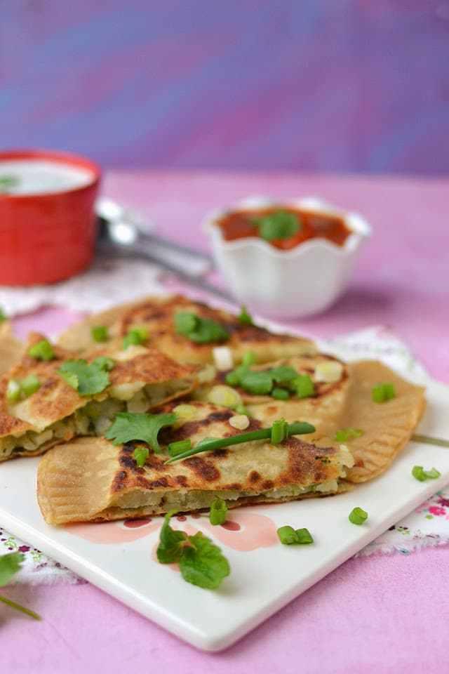 Afghani Bolani (Potato Stuffed Afghani Flat bread) Recipe | HeyFood — heyfoodapp.com