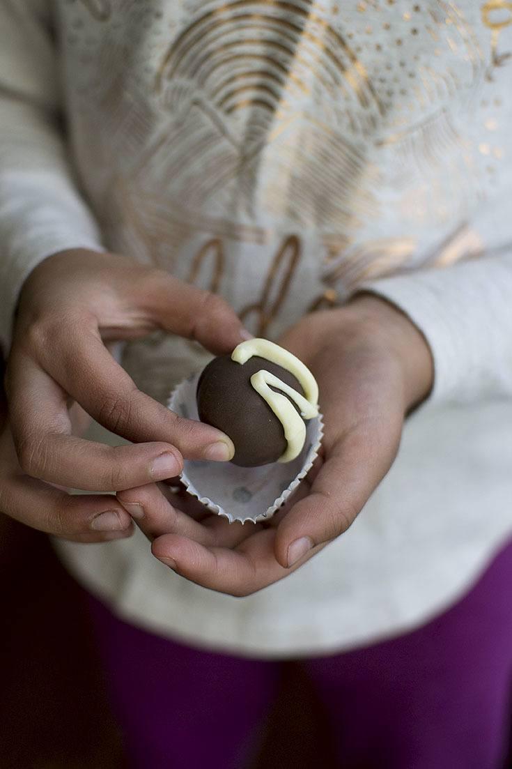 Easy Oreo Truffle Recipe | HeyFood — heyfoodapp.com