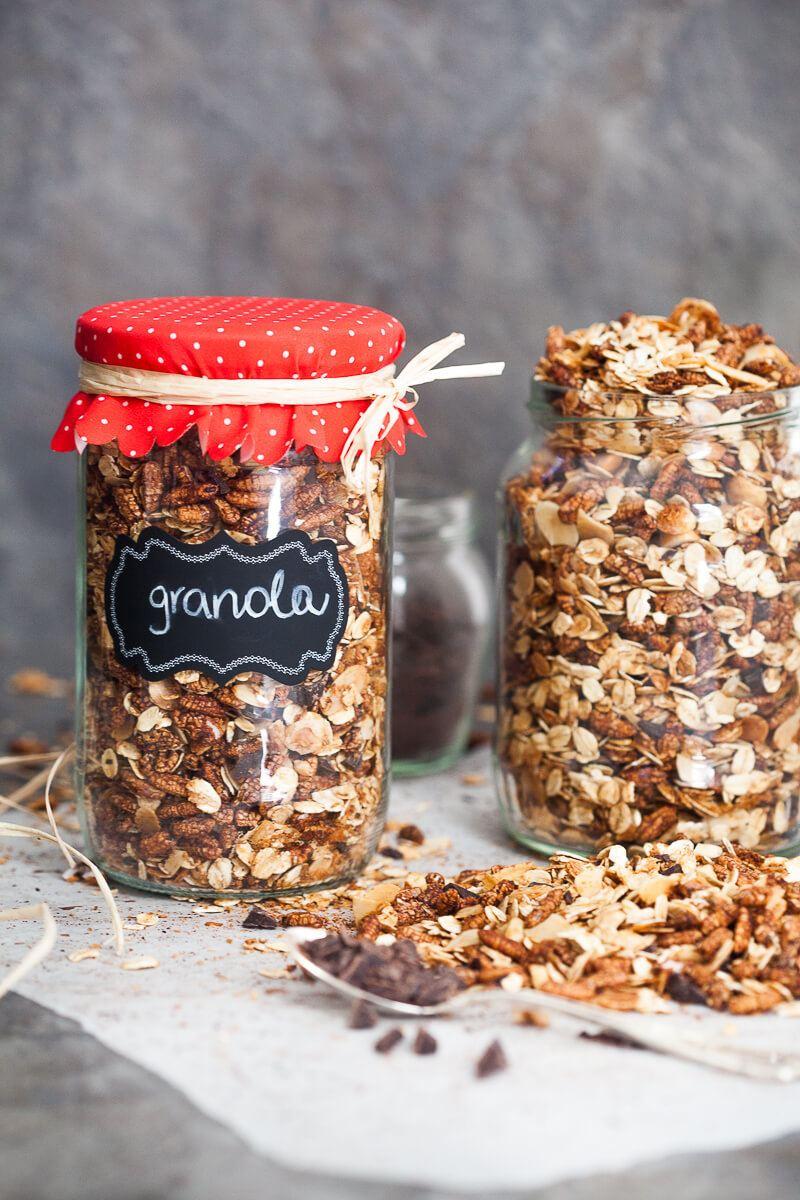 Healthy Dark Chocolate Breakfast Granola Recipe | HeyFood — heyfoodapp.com