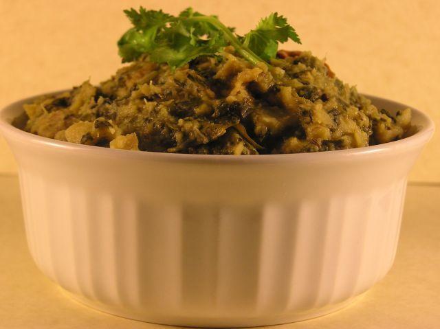 Kanda-Bachali Kura (Suran & Malabar-Spinach Curry) Recipe | HeyFood — heyfoodapp.com