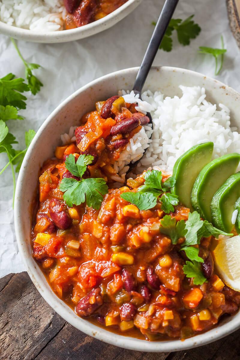 Easy One-Pot Spicy Vegan Chili Recipe | HeyFood — heyfoodapp.com