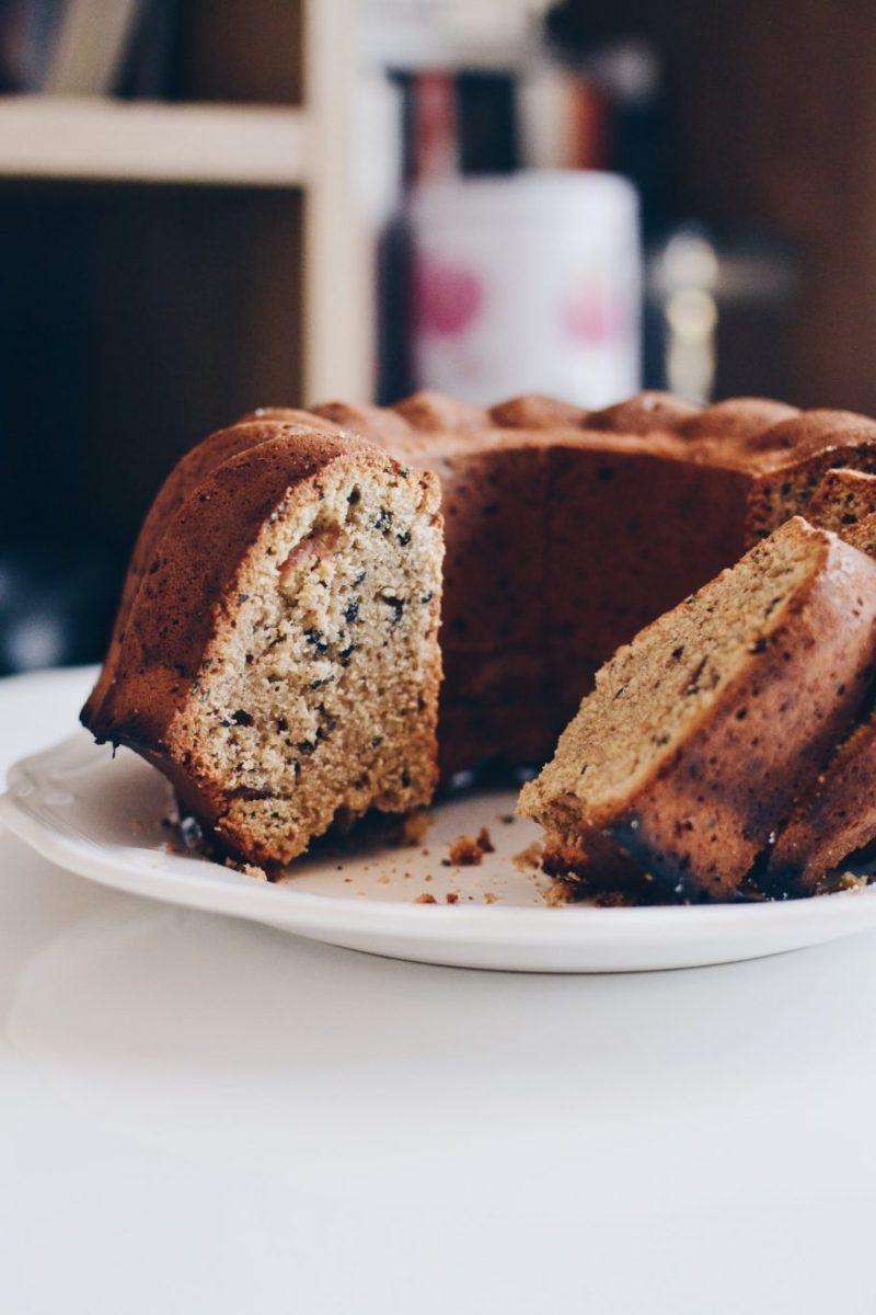 Tahini & dates cake Recipe | HeyFood — heyfoodapp.com