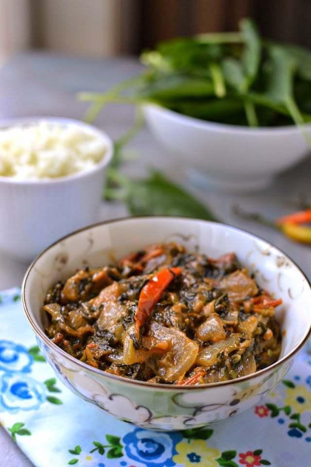 Zimbabwe -- Dobi (Spinach & Tomato with Peanut Butter sauce) Recipe   HeyFood — heyfoodapp.com