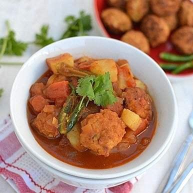 Bengali Lentil Fritters Curry (Bora'r Jhol) Recipe | HeyFood — heyfoodapp.com
