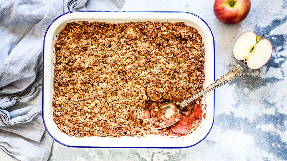 Healthy Apple Crumble Recipe | HeyFood — heyfoodapp.com