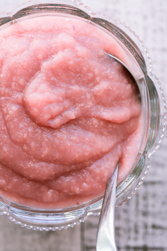 20 Minute No Sugar Pink Applesauce Recipe | HeyFood — heyfoodapp.com