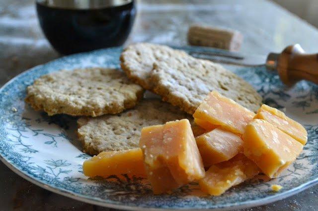 Homemade Oat Crackers Recipe   HeyFood — heyfoodapp.com