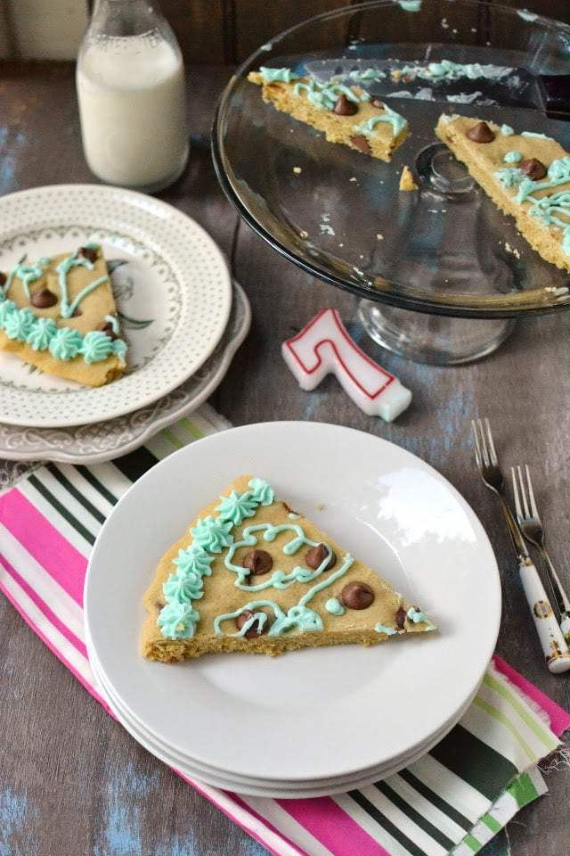 Giant Chocolate Chip Cookie Cake Recipe | HeyFood — heyfoodapp.com