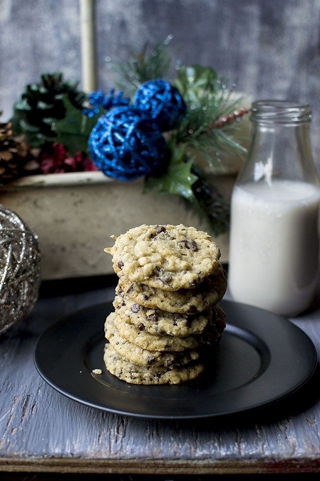 Chocolate Chip Oats Cookies Recipe | HeyFood — heyfoodapp.com