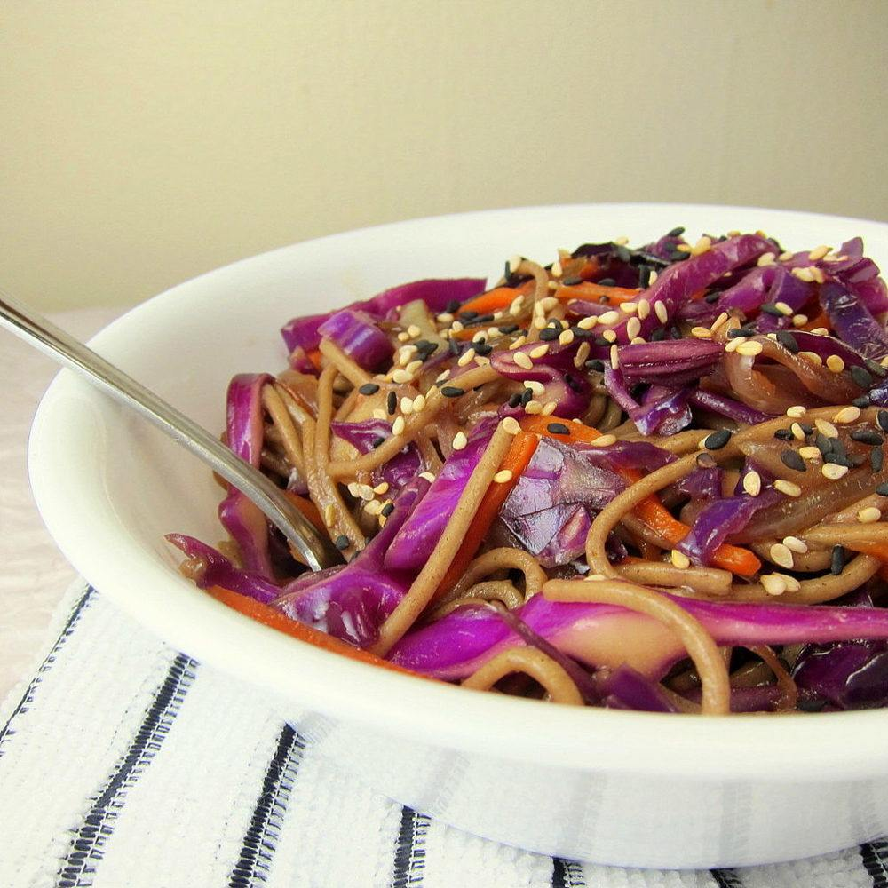 Crunchy Soba Noodle and Red Cabbage Stir Fry Recipe | HeyFood — heyfoodapp.com
