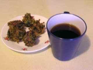 Palak Pakoda (Spinach Fritters) Recipe | HeyFood — heyfoodapp.com
