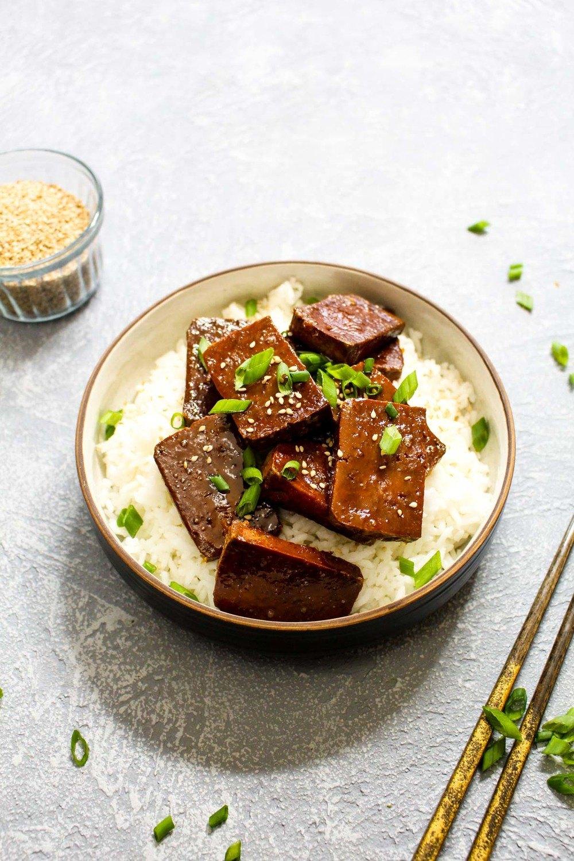Maple Sriracha Baked Tofu Recipe | HeyFood — heyfoodapp.com
