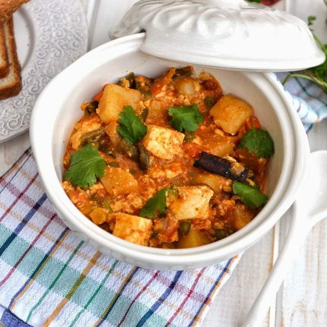 Paneer Veggie Curry in Coconut milk Gravy Recipe | HeyFood — heyfoodapp.com