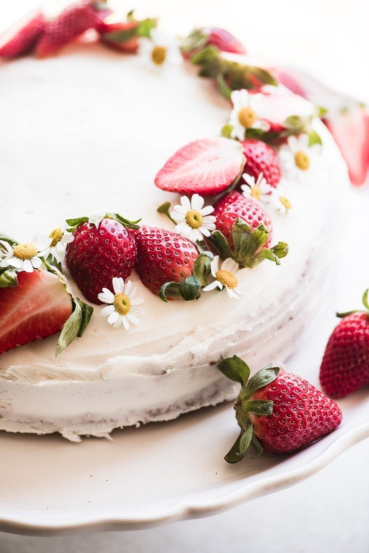 Easy Strawberry Cake Recipe | HeyFood — heyfoodapp.com