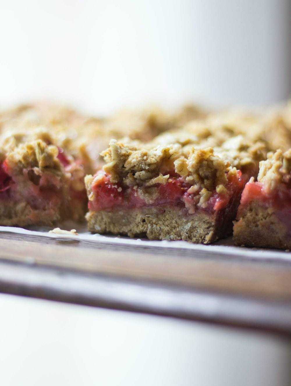 Strawberry Rhubarb Crisp Bars Recipe | HeyFood — heyfoodapp.com