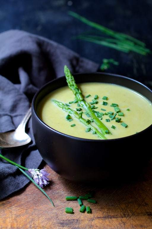 Cream of Asparagus and Leek Soup with Curry Recipe | HeyFood — heyfoodapp.com