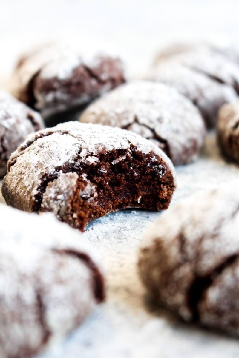 Gluten Free Peppermint Mocha Crinkle Cookies Recipe | HeyFood — heyfoodapp.com