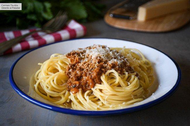 Las claves de una buena salsa boloñesa (y un secreto italiano para no olvidar) Recipe | HeyFood — heyfoodapp.com