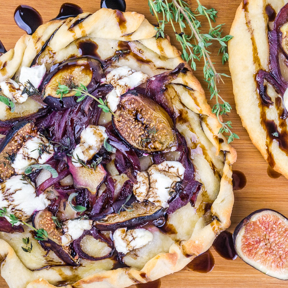 Caramelized Onion, Fig, and Goat Cheese Flatbread Recipe | HeyFood — heyfoodapp.com