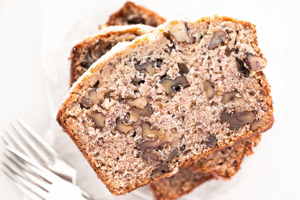 Roasted Banana Bread with Walnuts Recipe | HeyFood — heyfoodapp.com