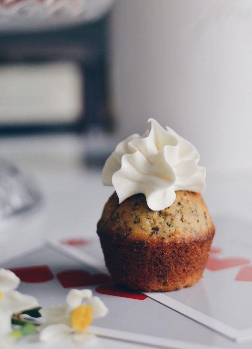 Lemon and poppy seeds cake Recipe | HeyFood — heyfoodapp.com