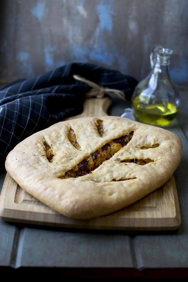 Sundried Tomato & Cheese Fougasse Recipe | HeyFood — heyfoodapp.com