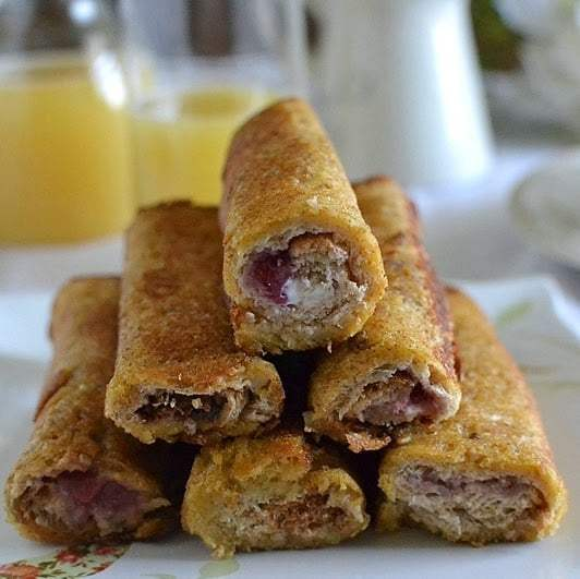 Eggless Stuffed French Toast Roll Ups Recipe | HeyFood — heyfoodapp.com