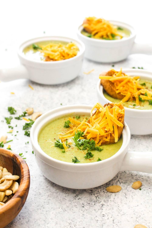 Detox Broccoli Cheese Soup with Vegan Cheddar Toasts Recipe | HeyFood — heyfoodapp.com