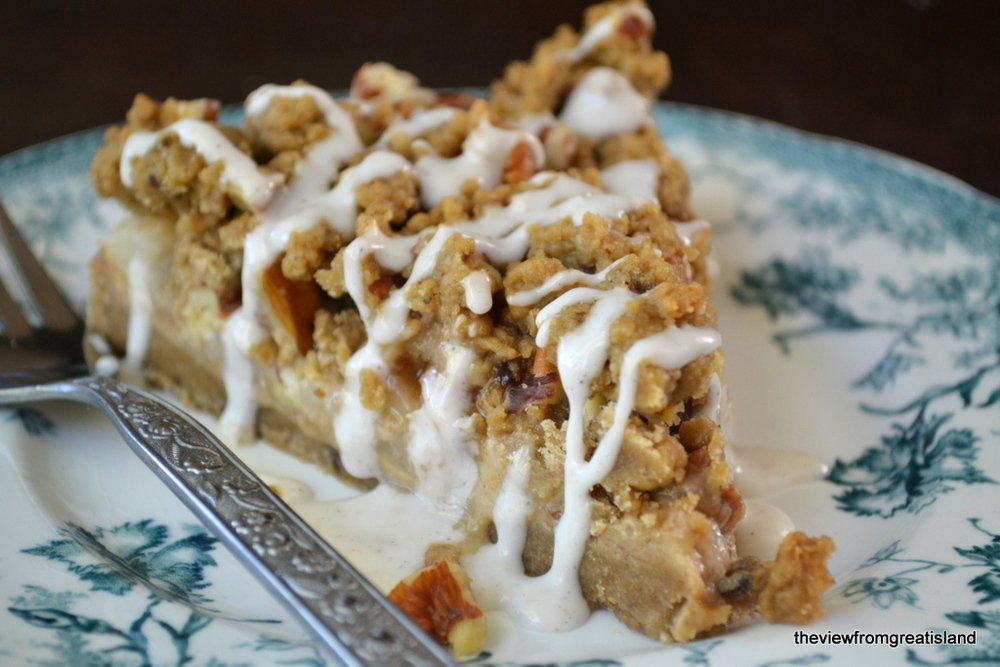 Spiced Pear Gingerbread Crumb Cake Recipe | HeyFood — heyfoodapp.com