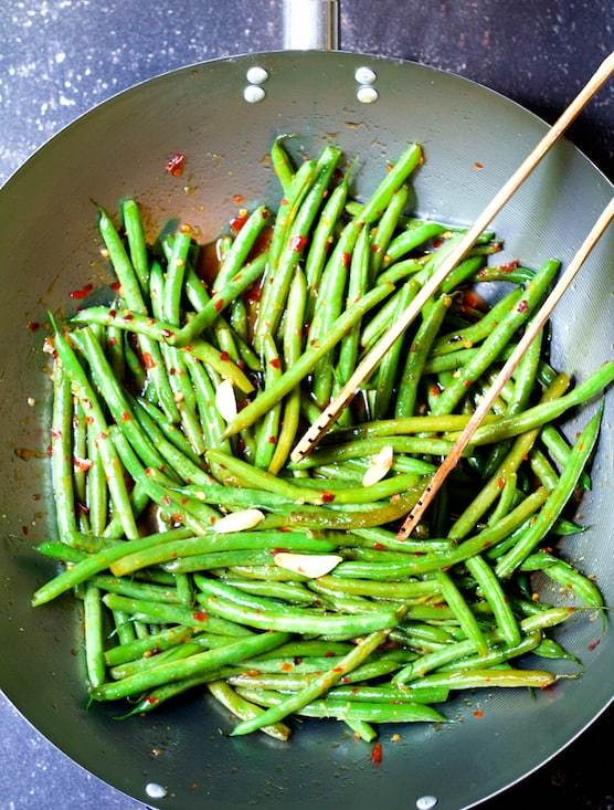 Thai Sweet Chili Green Beans Recipe | HeyFood — heyfoodapp.com