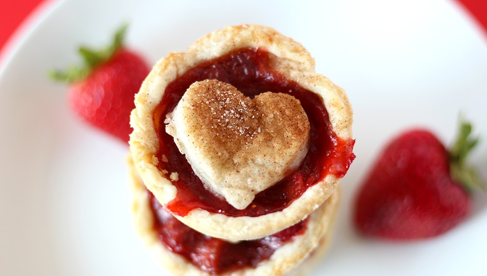 Vegan Strawberry Rhubarb Mini Pies Recipe | HeyFood — heyfoodapp.com