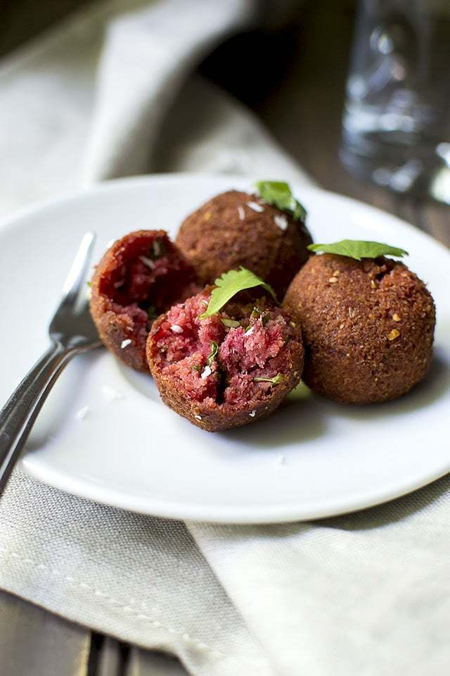 Beet Kola Urundai Recipe | HeyFood — heyfoodapp.com