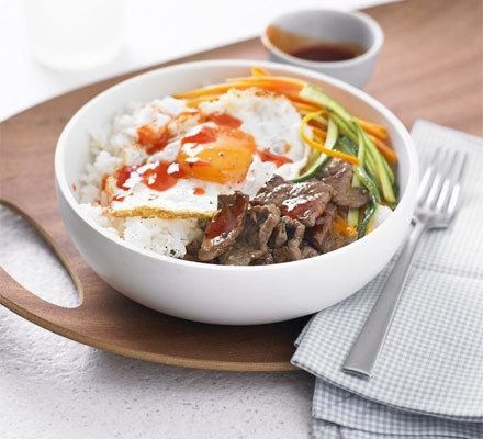 Sushi rice bowl with beef, egg & chilli sauce Recipe | HeyFood — heyfoodapp.com