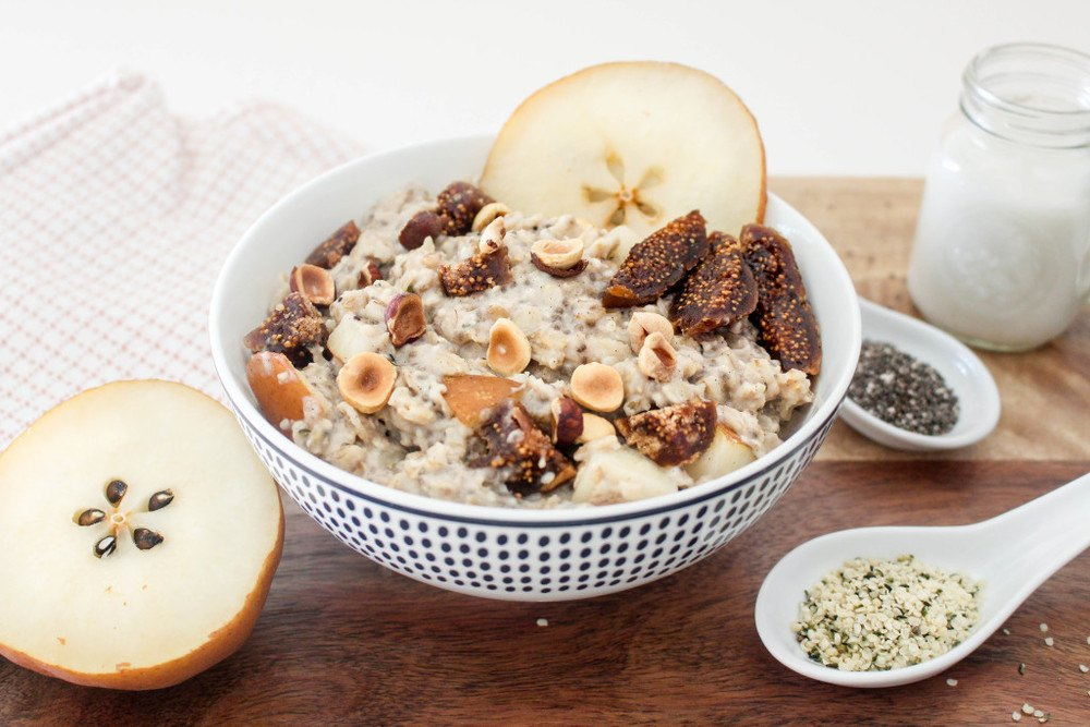 Figgy Oatmeal with Pears + Toasted Hazelnuts Recipe | HeyFood — heyfoodapp.com