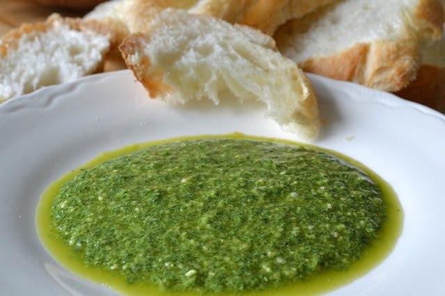 Minimal Monday: Arugula Pesto Recipe | HeyFood — heyfoodapp.com